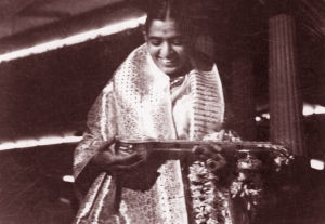 P.Susheela with award
